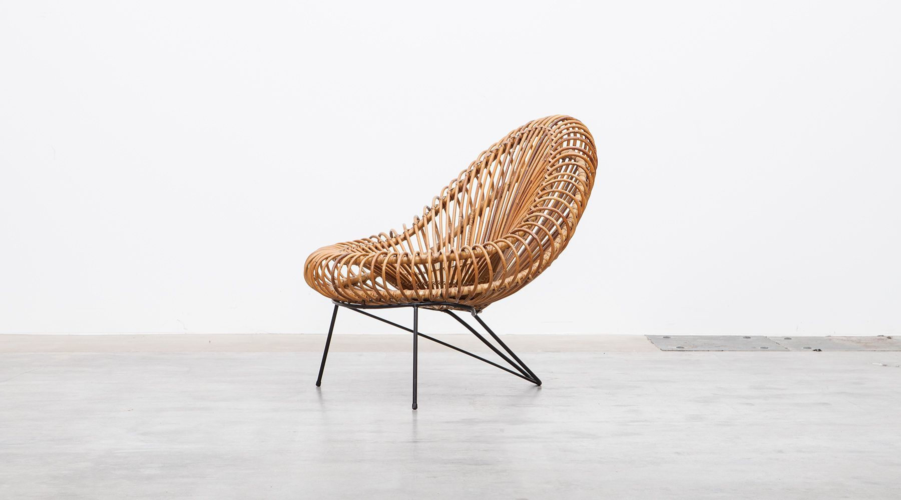 lounge chair (a)
