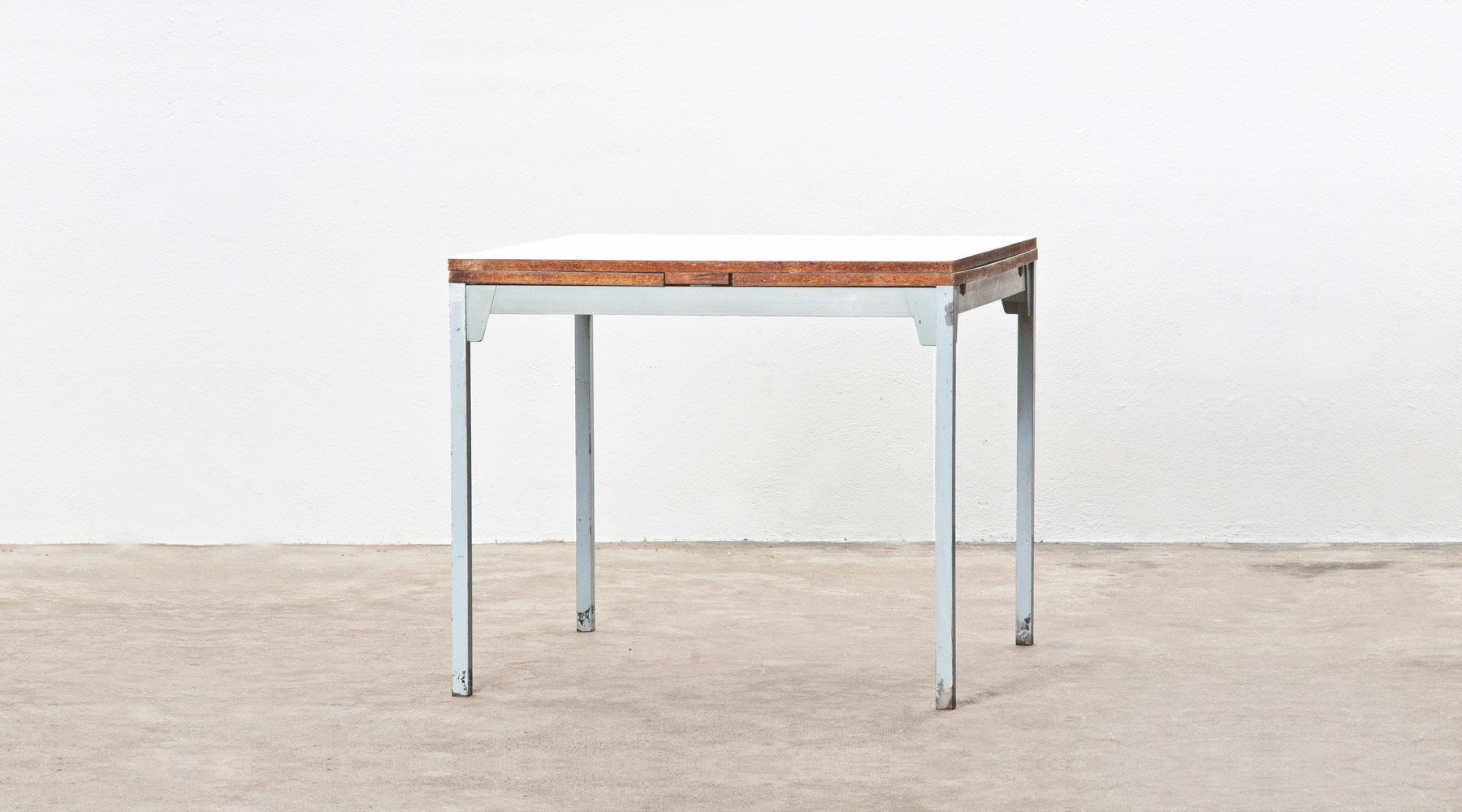 extanding table