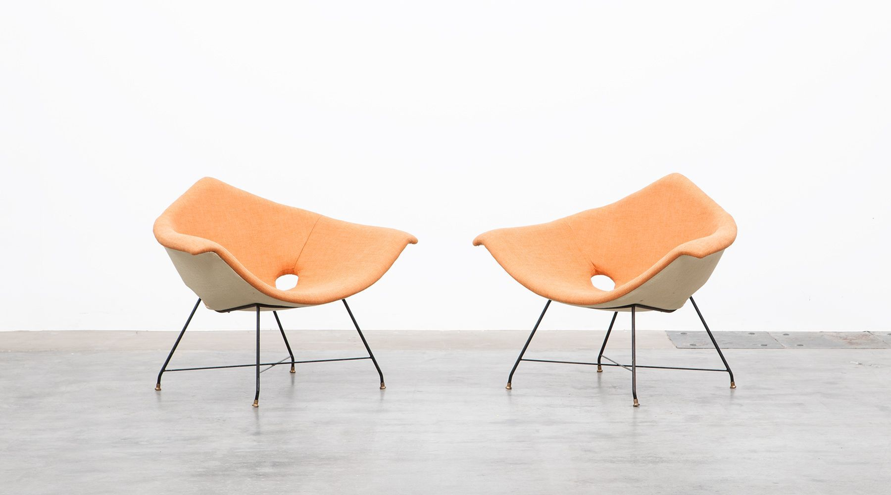 Lounge chairs (2) (d)