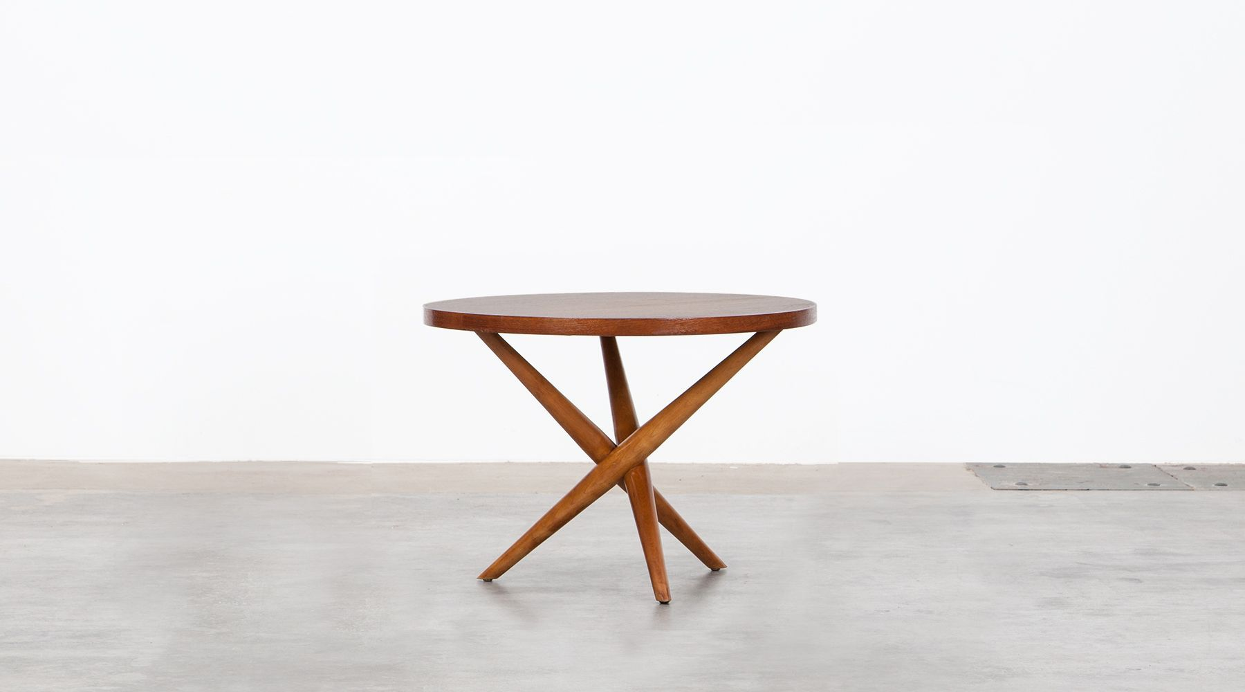 Side table (a)